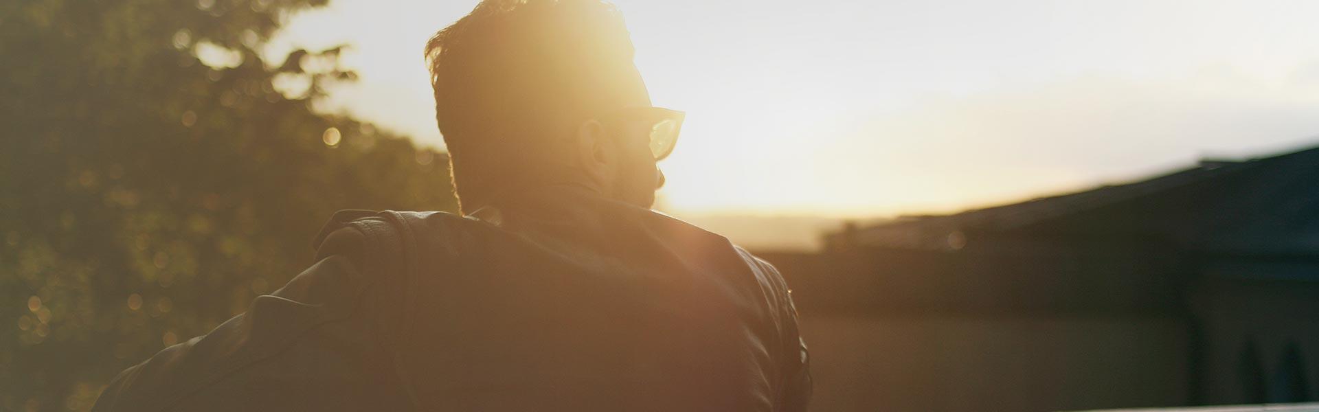 Man enjoying a sunset 2 | Fon